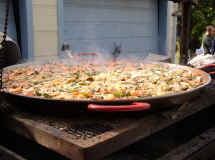 Marks_Paella_Party_1-18-04_002rs.jpg (47126 bytes)